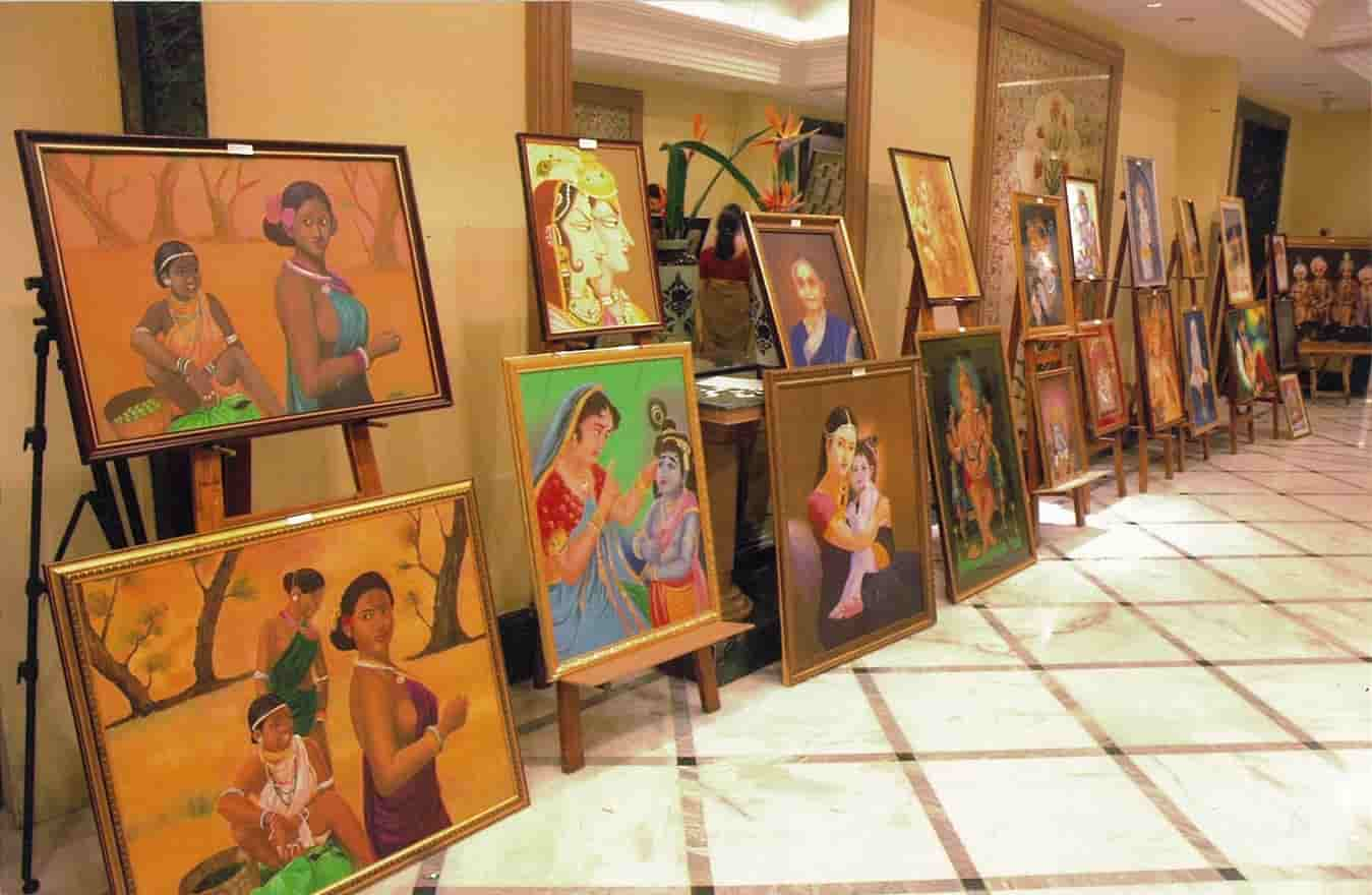 The ins and outs of art galleries displayed!